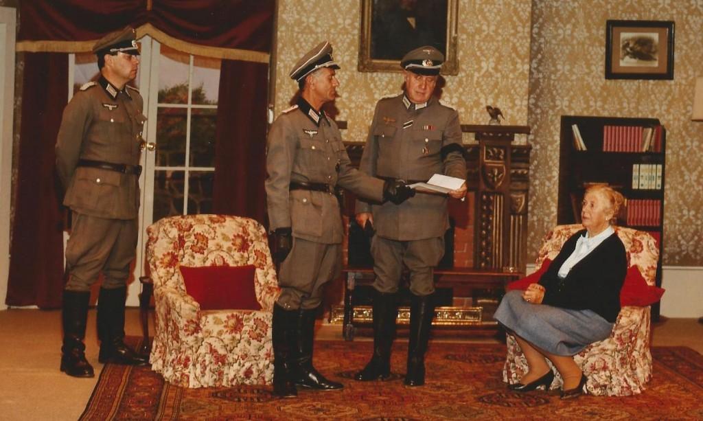 Dame of Sark 1990 (4)