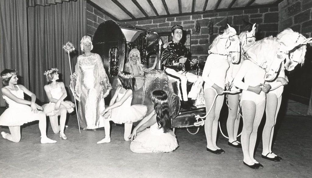 Cinderella 1976 (3)